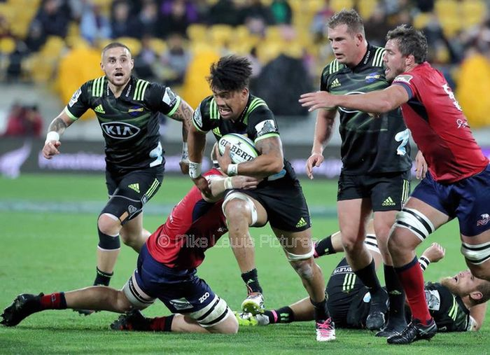 Aisle be back: Hurricanes v Crusaders